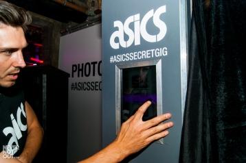 asics-chameleoid-secret-gig-44